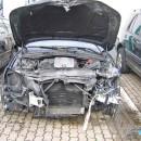 Unfallfahrzeug vor Instandsetzung